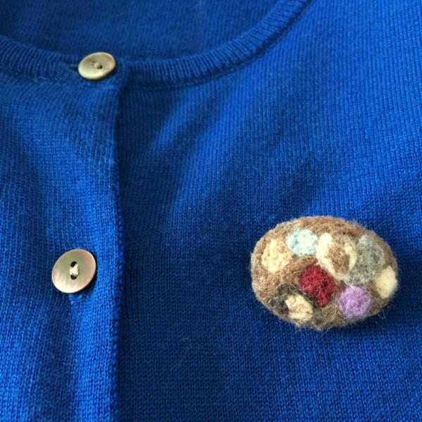 羊毛フェルトブローチ