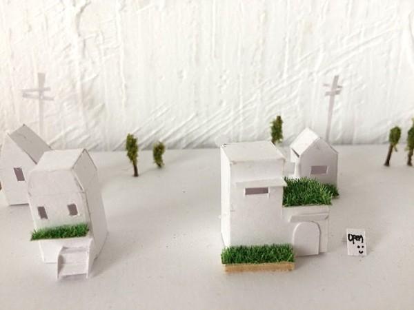 ミニチュア 紙の家