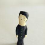 紙粘土の人形