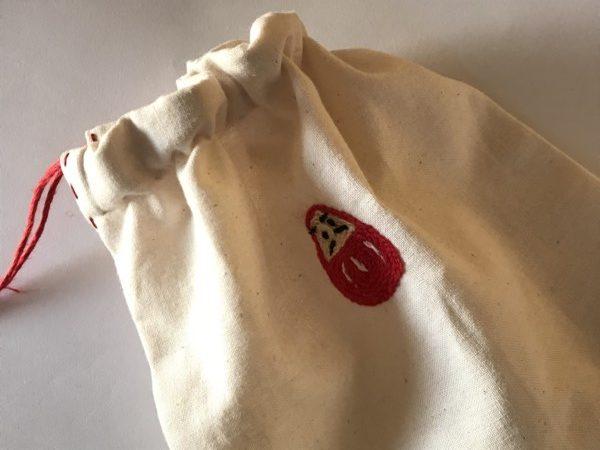 巾着 手縫い 刺繍 だるま